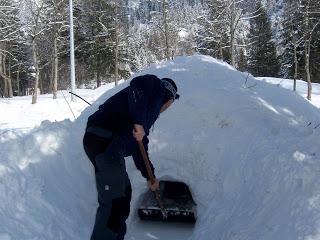 Kandersteg, Switzerland – Snowcaves January 2010